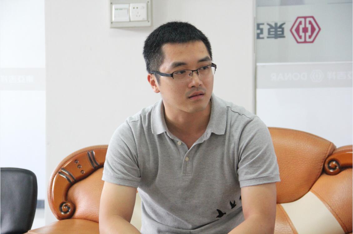 佛山市东亚钢门有限公司市场部经理郭嘉新